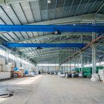 Dachy płaskie przemysłowe – co trzeba wiedzieć?