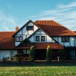 Jak wykonać obróbki blacharskie dachu?