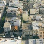 Jak zabezpieczyć dach płaski w okresie jesiennym?